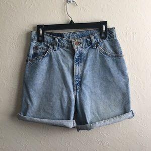 Vintage Levi's Mom Jean Denim Shorts, Size 30